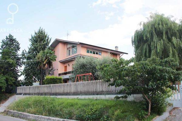 Villa in Vendita - Teramo