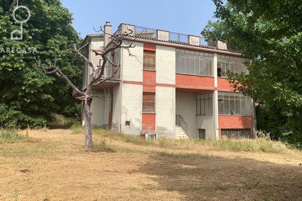 Casa indipendente Bifamiliare con Terreno in vendita